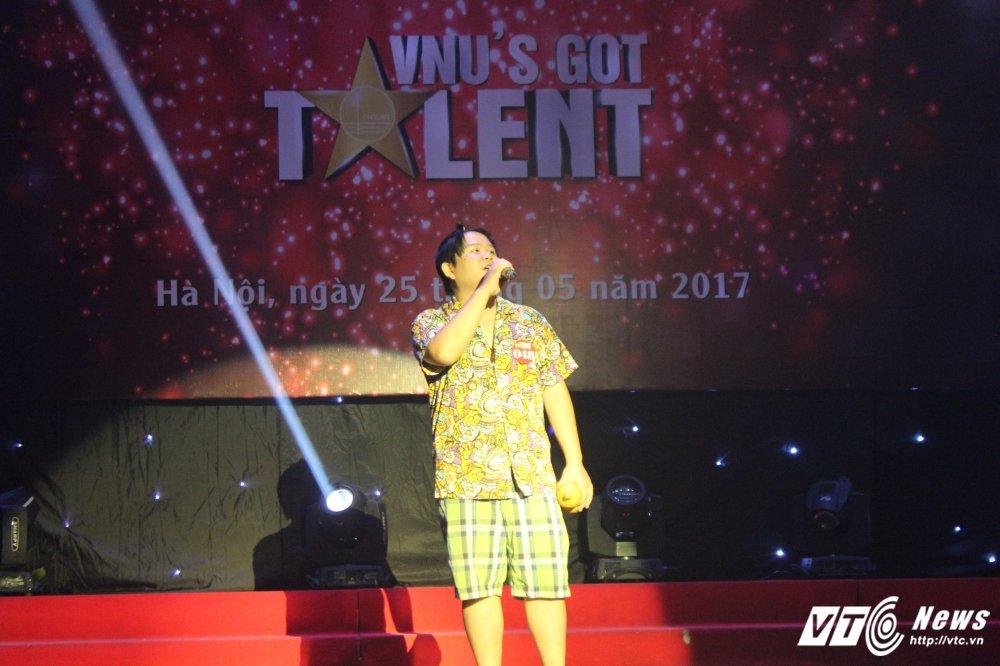Xep hinh dep mat, sinh vien truong Nhan van gianh quan quan 'VNU'S Got Talent' hinh anh 5