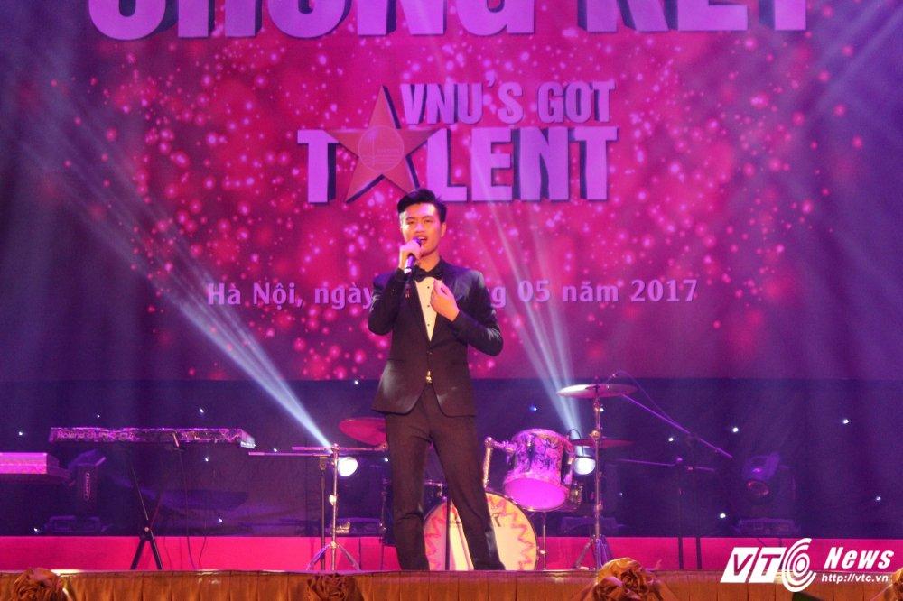 Xep hinh dep mat, sinh vien truong Nhan van gianh quan quan 'VNU'S Got Talent' hinh anh 6