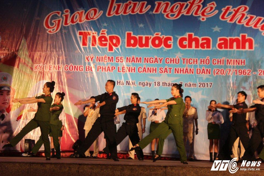 Thieu nu Lao mua Cham pa say long nguoi hinh anh 14