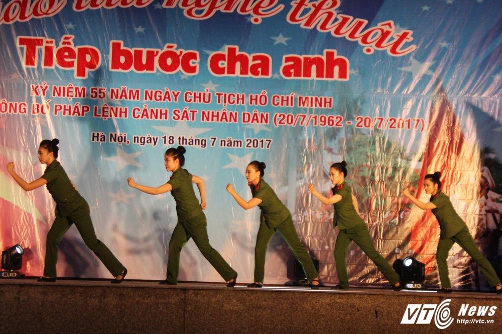 Thieu nu Lao mua Cham pa say long nguoi hinh anh 16