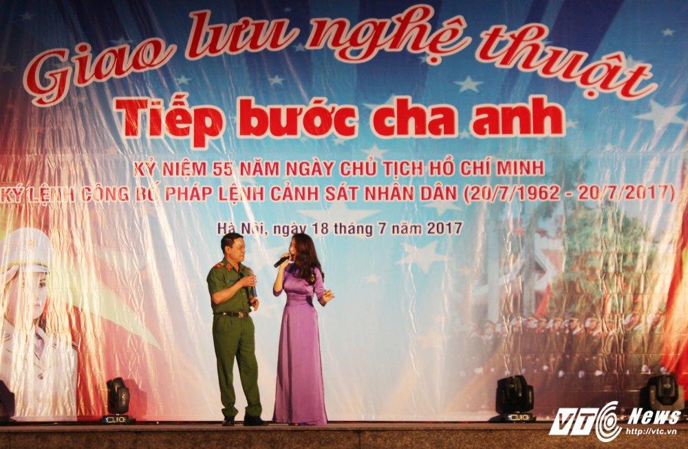 Thieu nu Lao mua Cham pa say long nguoi hinh anh 5
