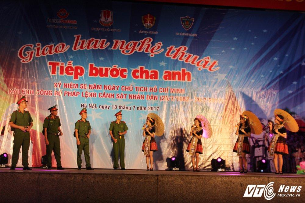 Thieu nu Lao mua Cham pa say long nguoi hinh anh 9