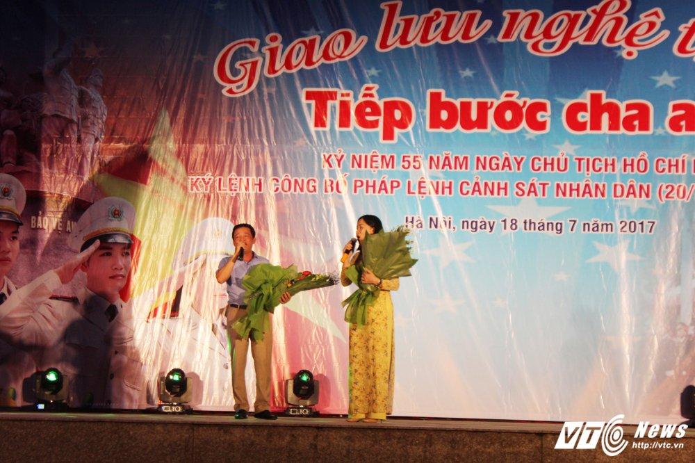 Thieu nu Lao mua Cham pa say long nguoi hinh anh 7