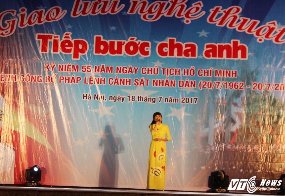 Thieu nu Lao mua Cham pa say long nguoi hinh anh 8