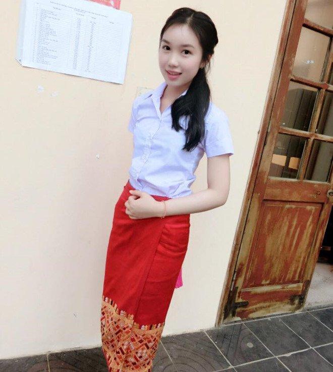 Nu sinh nguoi Lao xinh dep gioi tieng Viet, uoc mo lam bac si hinh anh 3