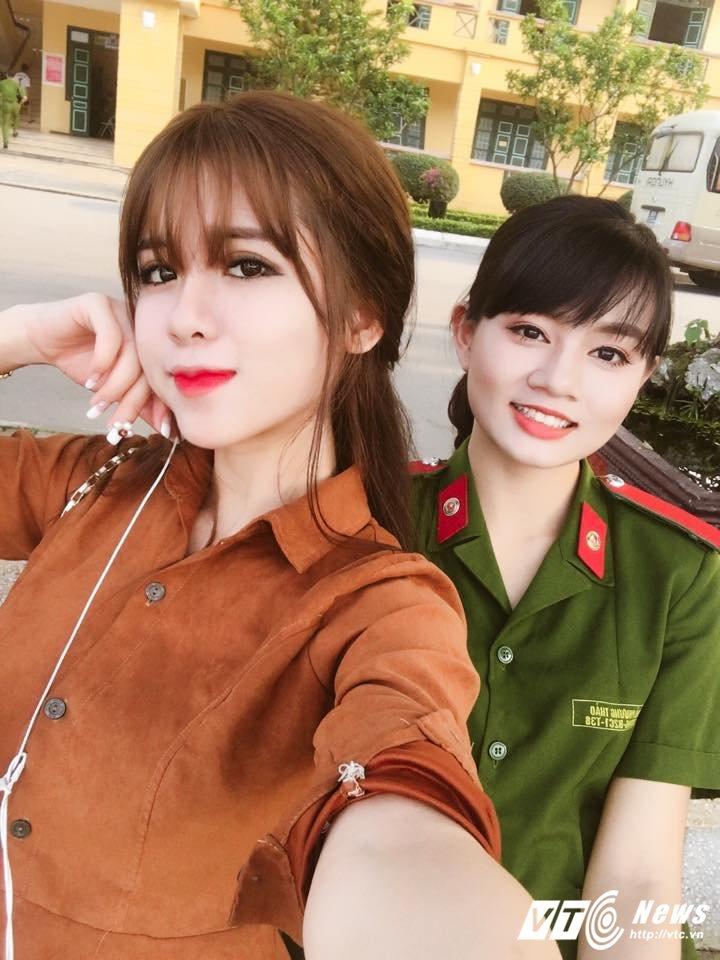 Hot girl lai Tay cua Hoc vien Bao chi tu tin thi Imiss Thang Long hinh anh 9