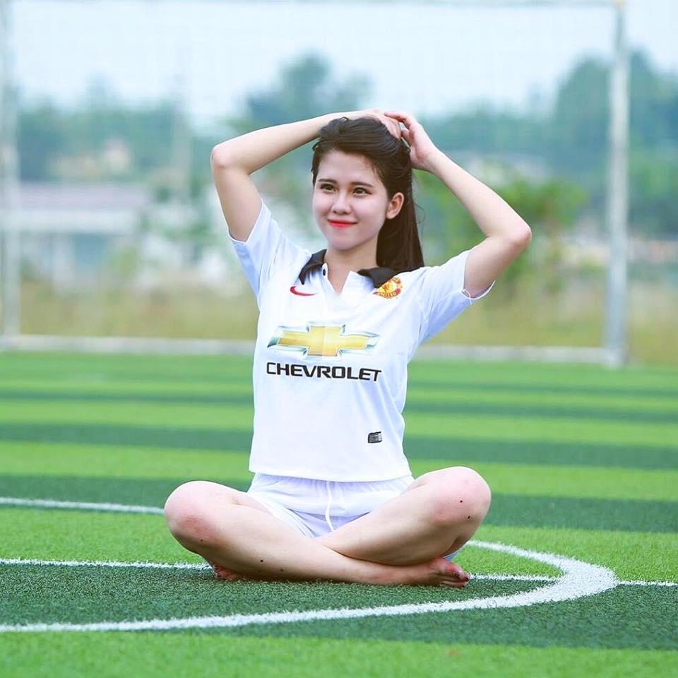 Hot girl lai Tay cua Hoc vien Bao chi tu tin thi Imiss Thang Long hinh anh 5