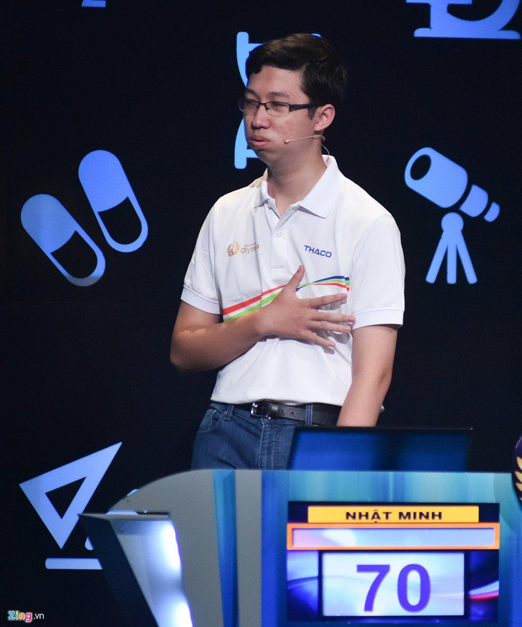 Anh: Khoanh khac dang quang Duong len dinh Olympia cua 'Cau be Google' Phan Dang Nhat Minh hinh anh 3