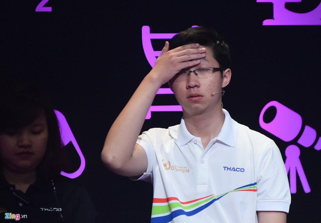 Anh: Khoanh khac dang quang Duong len dinh Olympia cua 'Cau be Google' Phan Dang Nhat Minh hinh anh 5