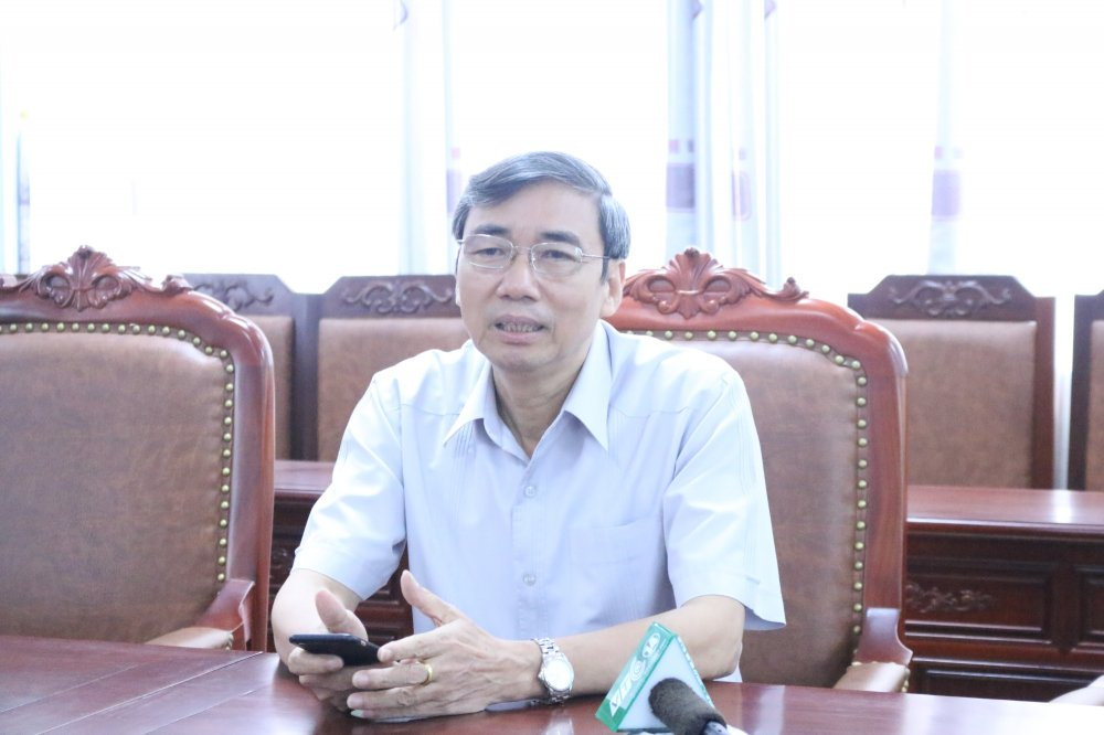 Giam doc So GD-DT Vinh Phuc: 'Bo nhiem nhieu lanh dao de co vi the khi lam viec' hinh anh 1
