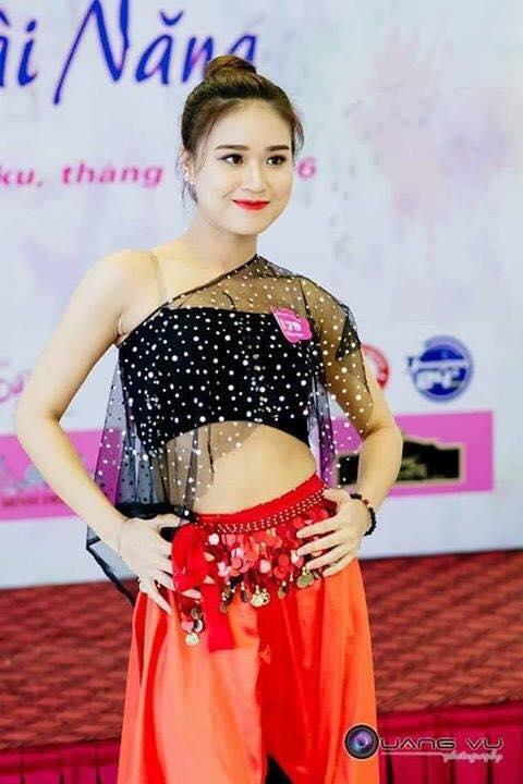 Nu sinh DH Thang Long Vu Thi Thanh Thanh: Guong mat an tuong tai cuoc thi HHHV 2017 hinh anh 2