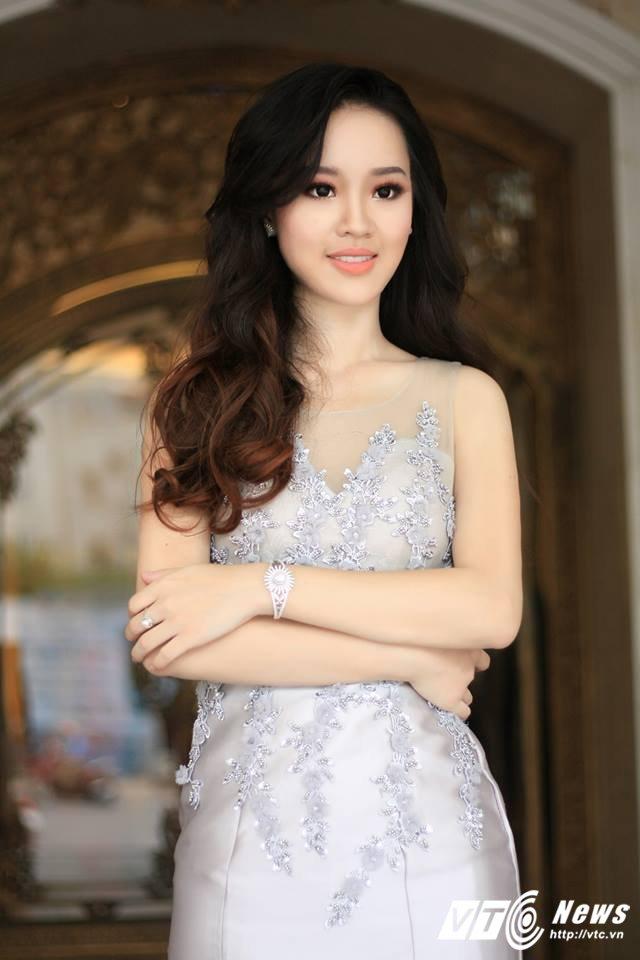 Hot girl DH Phong chay chua chay Hoang Hai Thu: Guong mat trien vong tai cuoc thi HHHV 2017 hinh anh 4