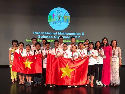 Viet Nam gianh huy chuong Vang dau tien tai Olympic Toan va Khoa hoc quoc te 2017 hinh anh 1