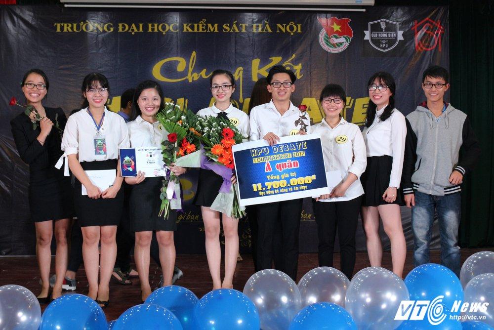 Dai hoc Kiem sat gianh quan quan 'HPU Debate Tournament 2017' hinh anh 4