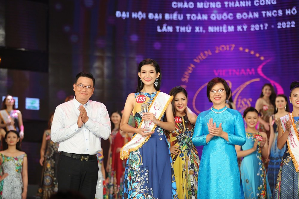 Nu sinh xinh dep DH Tay Do dang quang Hoa khoi Sinh vien Viet Nam 2017 hinh anh 6
