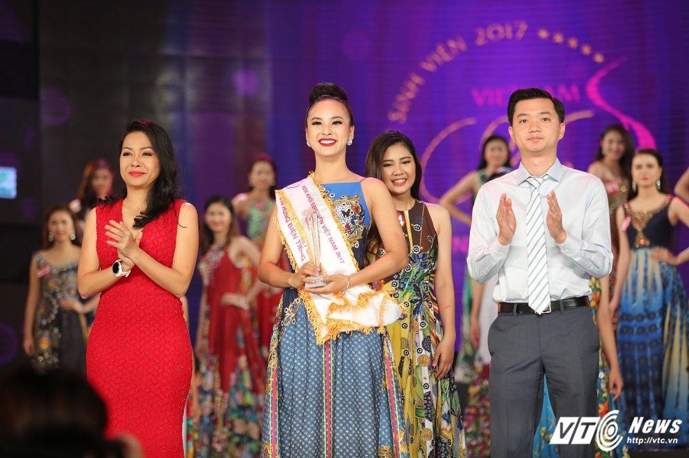 Nu sinh DH Ngoai thuong xinh dep doat suat di Singapore cung Hoa khoi Sinh vien Viet Nam la ai? hinh anh 6