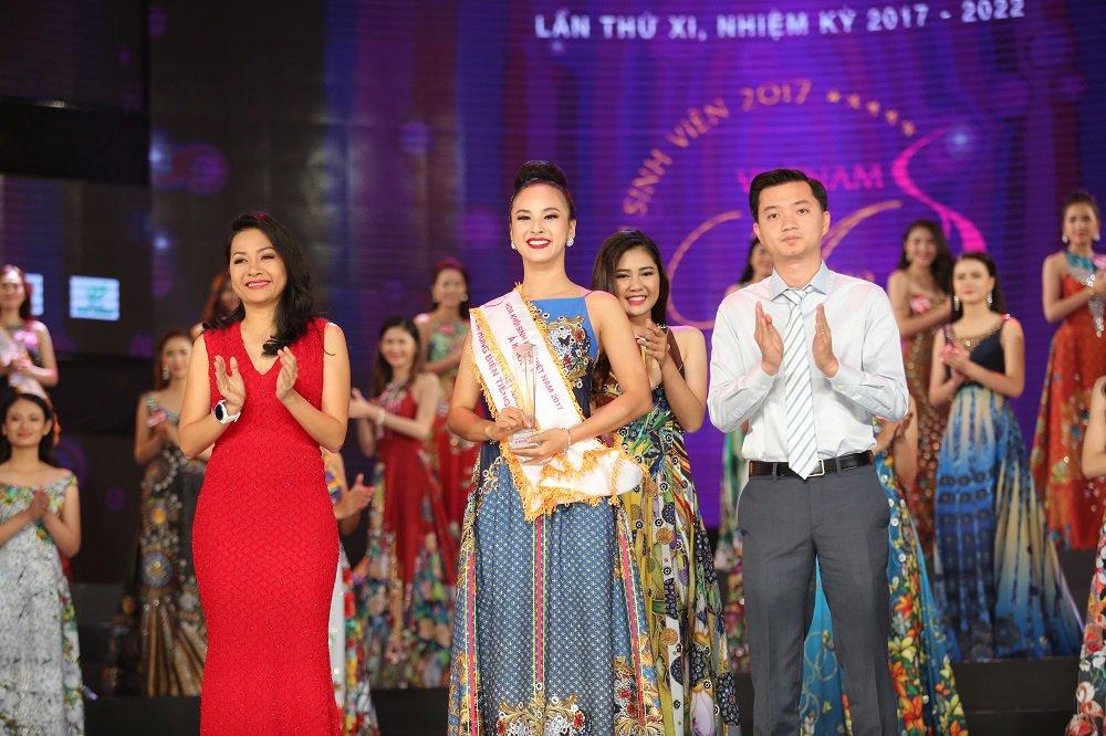 Nu sinh xinh dep DH Tay Do dang quang Hoa khoi Sinh vien Viet Nam 2017 hinh anh 7