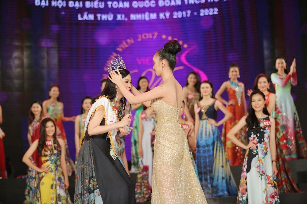 Nu sinh xinh dep DH Tay Do dang quang Hoa khoi Sinh vien Viet Nam 2017 hinh anh 2