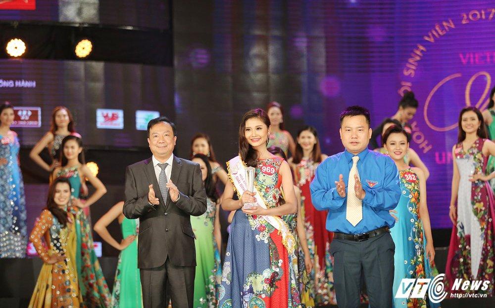 Nu sinh xinh dep DH Tay Do dang quang Hoa khoi Sinh vien Viet Nam 2017 hinh anh 3