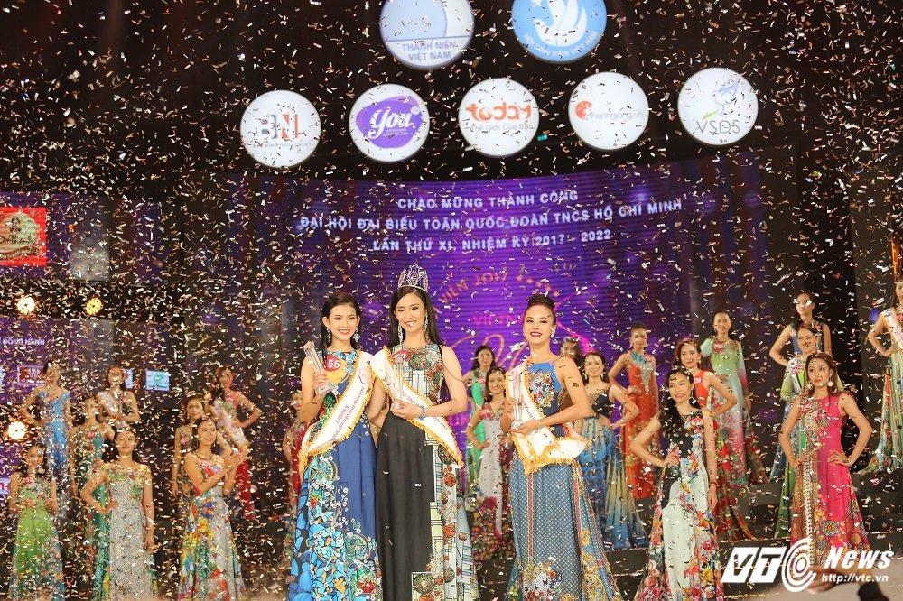 Nu sinh DH Ngoai thuong xinh dep doat suat di Singapore cung Hoa khoi Sinh vien Viet Nam la ai? hinh anh 7