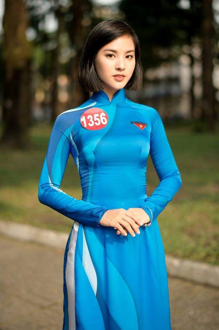 Nu sinh DH Ngoai thuong xinh dep doat suat di Singapore cung Hoa khoi Sinh vien Viet Nam la ai? hinh anh 1