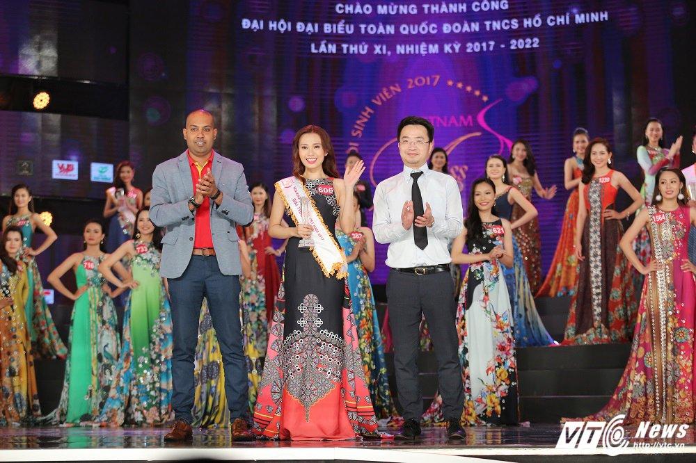 Nu sinh xinh dep DH Tay Do dang quang Hoa khoi Sinh vien Viet Nam 2017 hinh anh 4