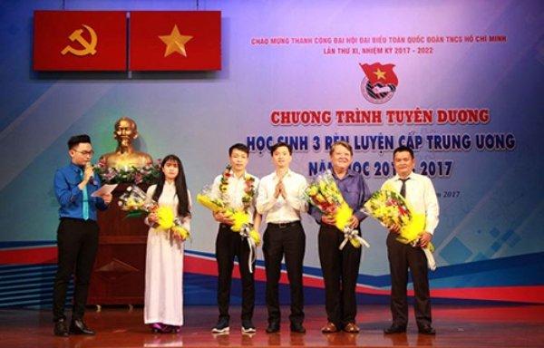 Tuyen duong 8 hoc sinh '3 ren luyen' cap Trung uong hinh anh 2