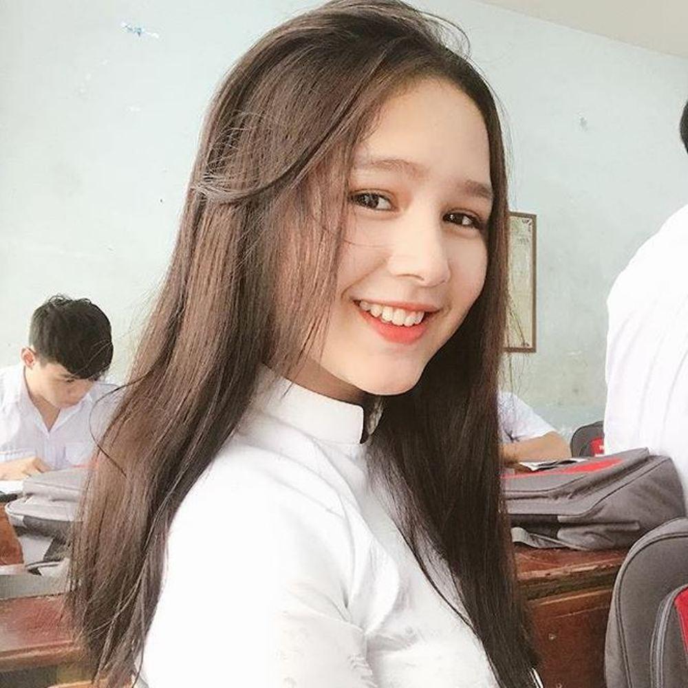 Ve dep nhung 'hot girl' Viet lai Tay gay hut hon cong dong mang hinh anh 3