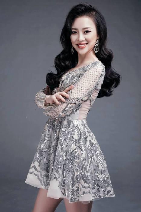 Hot girl DH Phong chay chua chay gianh giai Nguoi dep tai nang Hoa hau Hoan vu 2017 hinh anh 9