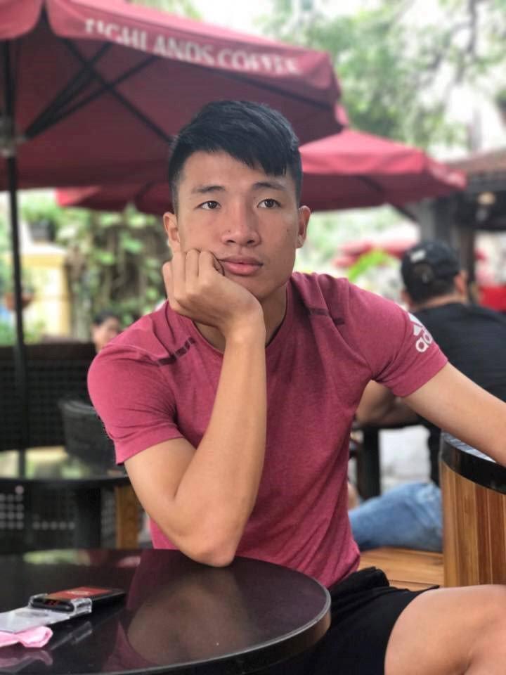 Chang cau thu 6 mui sut penalty khien hoi chi em me man la ai? hinh anh 6