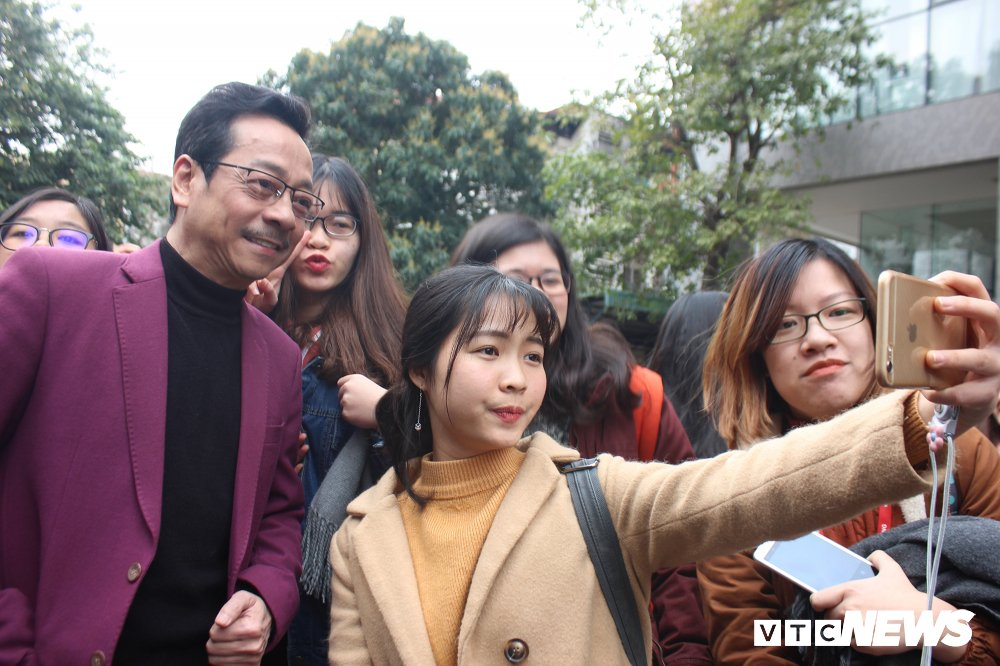 'Ong trum Phan Quan', Luong Bong trong 'vong vay' cua sinh vien Ngoai thuong hinh anh 5