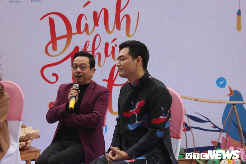 'Ong trum Phan Quan', Luong Bong trong 'vong vay' cua sinh vien Ngoai thuong hinh anh 2
