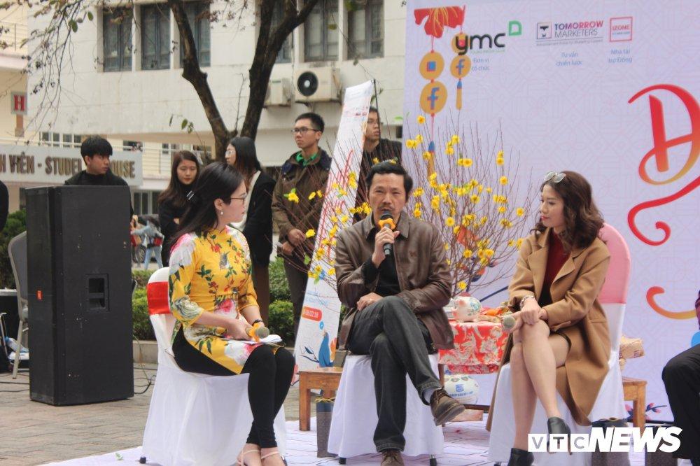 'Ong trum Phan Quan', Luong Bong trong 'vong vay' cua sinh vien Ngoai thuong hinh anh 3