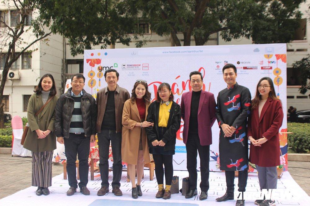'Ong trum Phan Quan', Luong Bong trong 'vong vay' cua sinh vien Ngoai thuong hinh anh 10