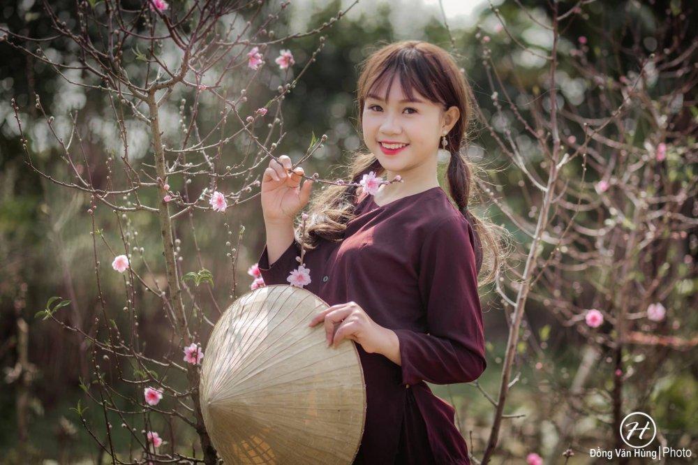 Hot girl Tuyen Quang khoe sac  ben dao Xuan hinh anh 9