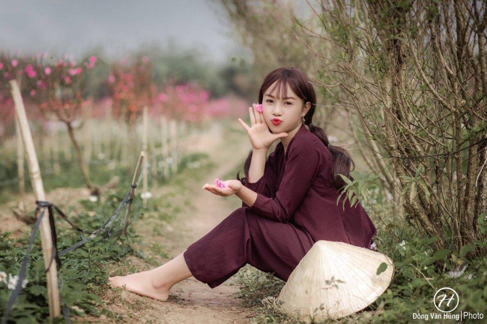 Hot girl Tuyen Quang khoe sac  ben dao Xuan hinh anh 4