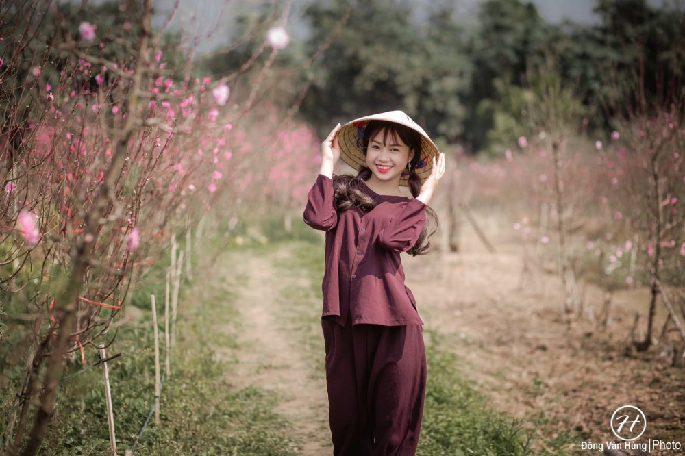 Hot girl Tuyen Quang khoe sac  ben dao Xuan hinh anh 5