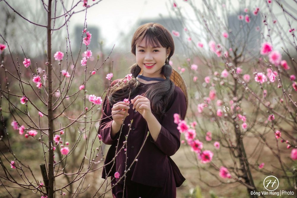 Hot girl Tuyen Quang khoe sac  ben dao Xuan hinh anh 6