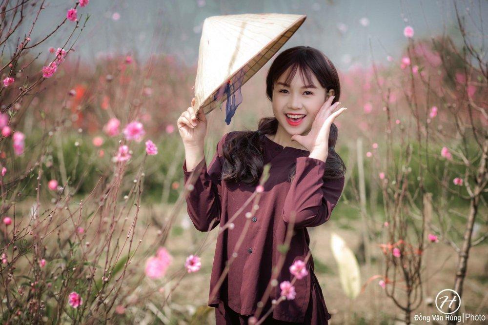 Hot girl Tuyen Quang khoe sac  ben dao Xuan hinh anh 7