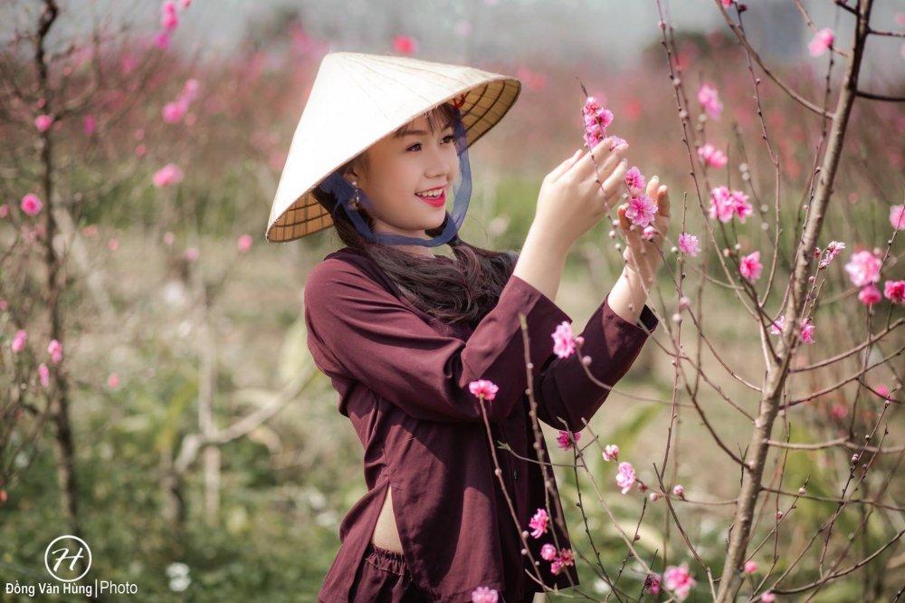 Hot girl Tuyen Quang khoe sac  ben dao Xuan hinh anh 8