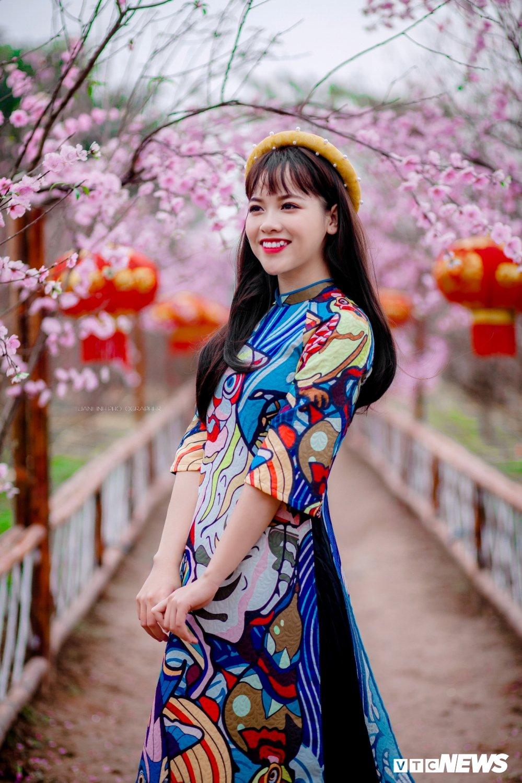 'Hot girl rang khenh' xu Tuyen rang ro trong bo anh don Xuan hinh anh 7