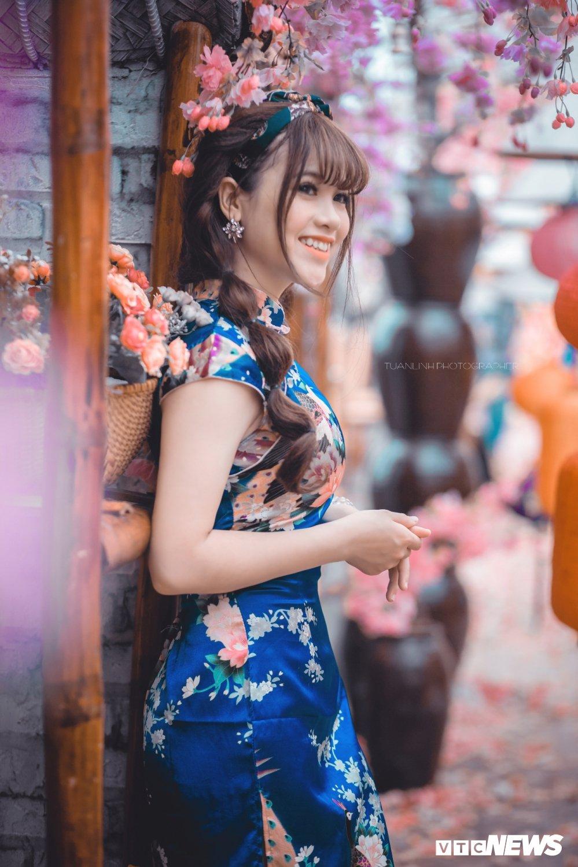'Hot girl rang khenh' xu Tuyen rang ro trong bo anh don Xuan hinh anh 13