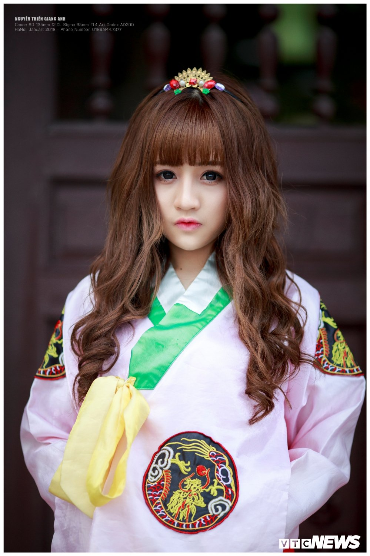 Hot girl Ha Tinh xinh dep trong trang phuc Hanbok khien bao chang trai me man hinh anh 1