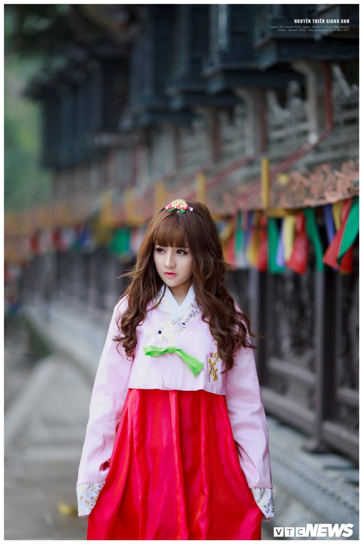 Hot girl Ha Tinh xinh dep trong trang phuc Hanbok khien bao chang trai me man hinh anh 2