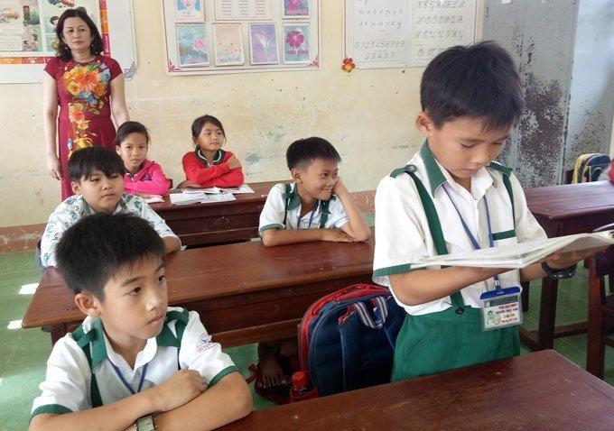 Bo GD-DT tang bang khen hoc sinh lop 3 tra lai 44 trieu dong cho nguoi bi mat hinh anh 1