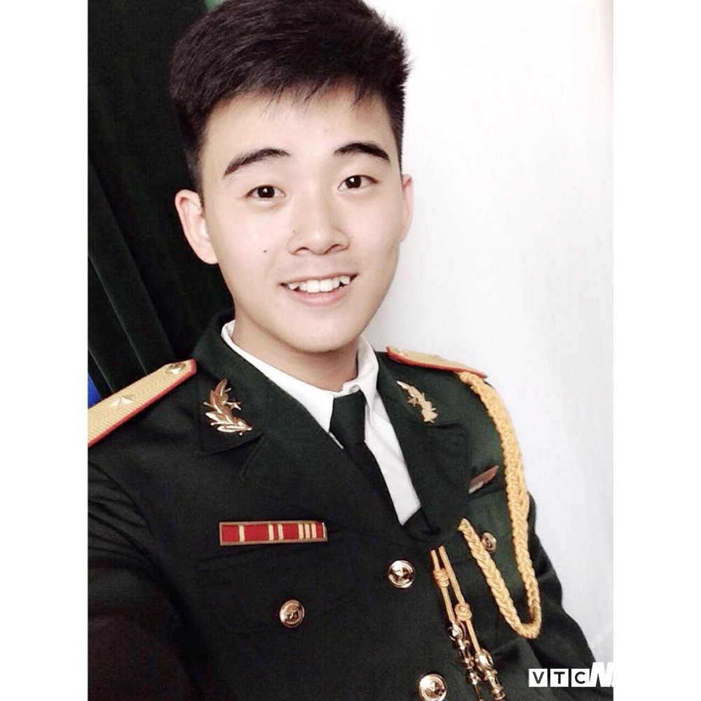 Nam sinh DH Van Hoa – Nghe thuat Quan doi dep trai nhu sao Han hinh anh 4