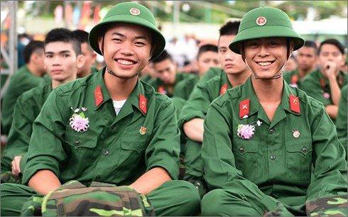 Tuyen sinh truong Quan doi 2018: Diem chuan quy dinh ra sao? hinh anh 1
