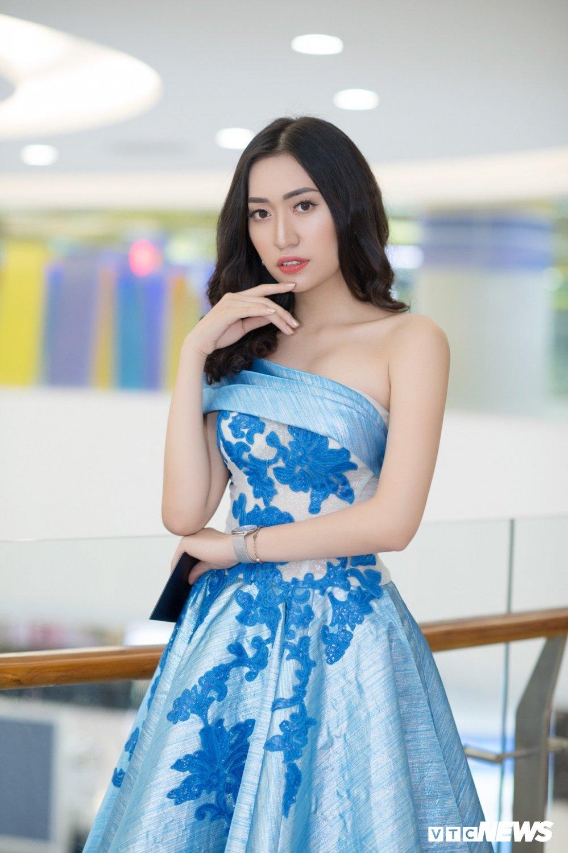 Hot girl 'sieu vong 3' tu tin thi Hoa hau Bien Viet Nam toan cau hinh anh 1