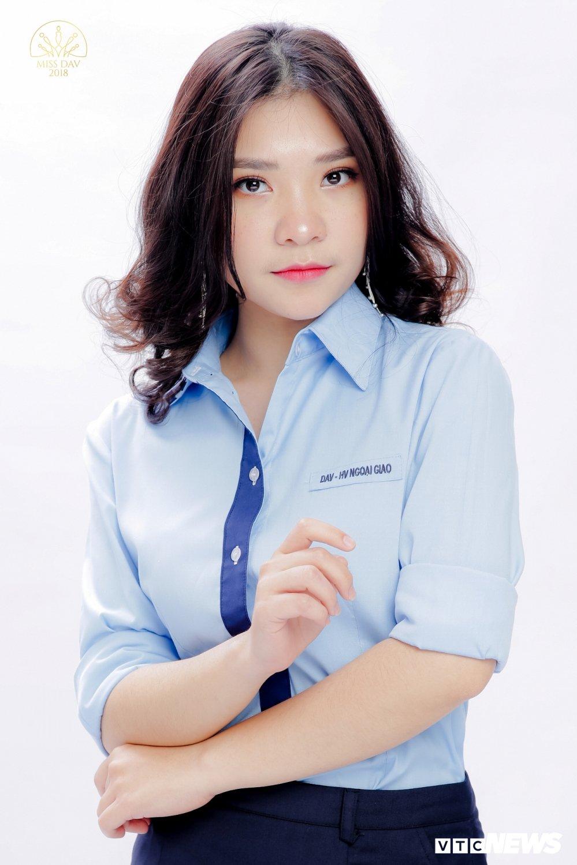 18 nu sinh tai sac rang ngoi trong bo anh dong phuc Hoc vien Ngoai giao hinh anh 11