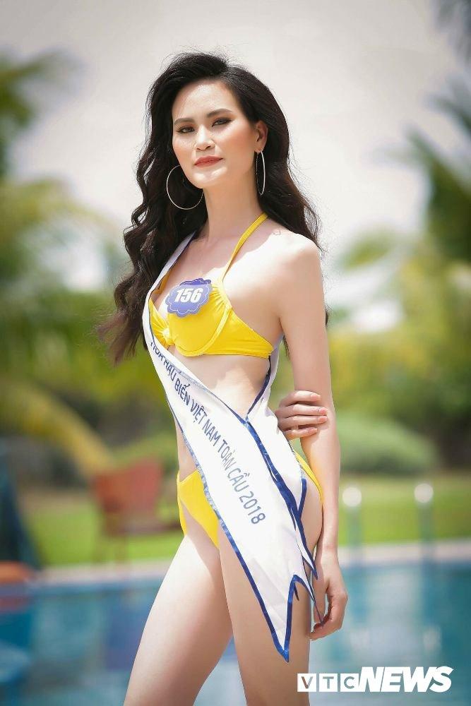 Dan thi sinh Hoa hau Bien VN 'dot mat' nguoi xem trong trang phuc bikini hinh anh 5